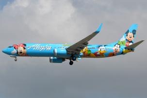 Alaska_Airlines_737-900_with_Disneyworld_livery
