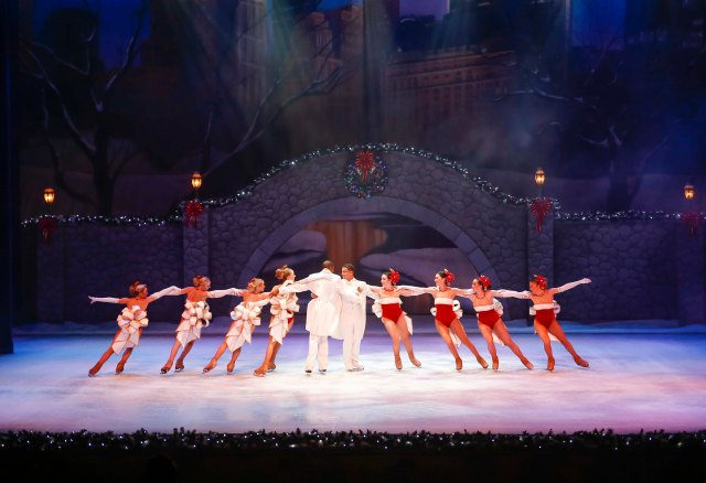 Busch Gardens Tampa Bay Christmas Town Christmas On Ice.jpg