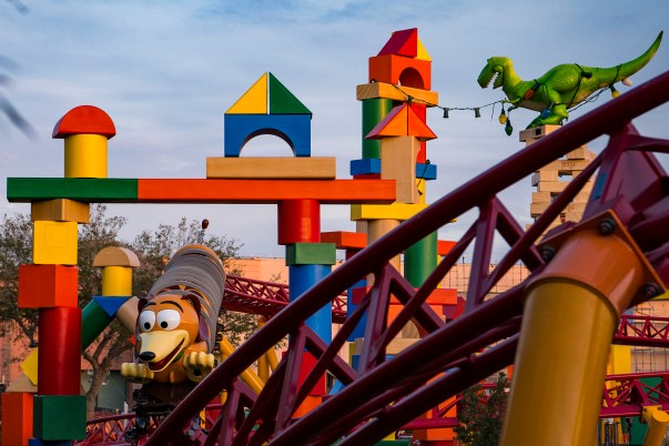 - SLINKY DOG DASH (PICTURED UNDER DEVELOPMENT) AT TOY STORY LAND IN DISNEY'S HOLLYWOOD STUDIOS (Photo Matt Stroshane - Disney).jpg
