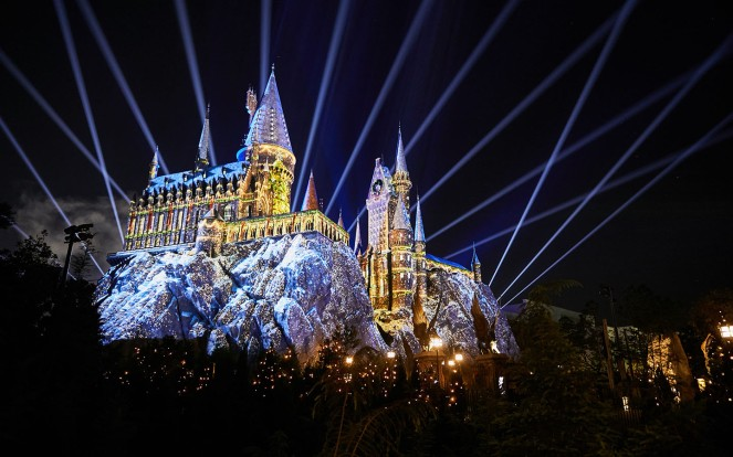 The-Magic-of-Christmas-at-Hogwarts-Castle-Holidays-at-Universal-Orlando-Resort