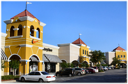 lake-buena-vista-shopping-outlet